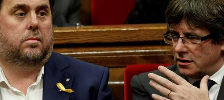En una tensa primera sesión del pleno del Parlamento tras las elecciones regionales de...
