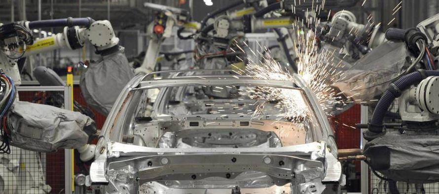 Entre los fabricantes europeos, las ventas de la marca Volkswagen (VW) aumentaron un 6 % a 26.750...