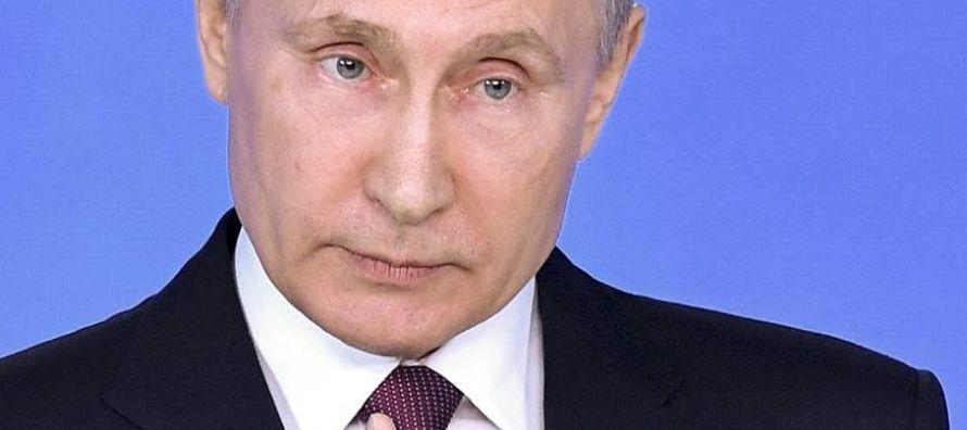 En lugar de ganarse el apoyo de los rusos garantizando sus derechos políticos,...