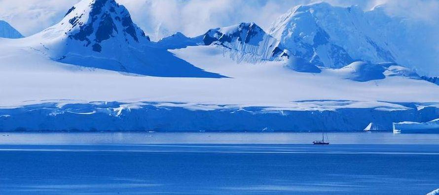 Con cerca del 62% de las reservas de agua dulce del planeta, un deshielo de la Antártica...