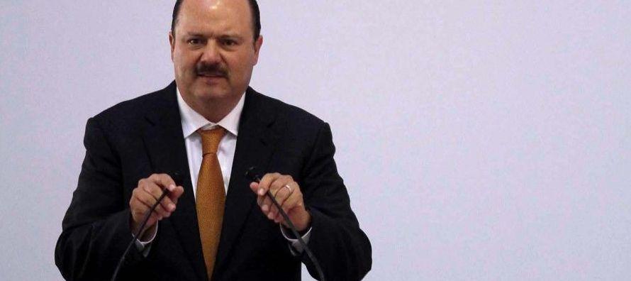El exgobernador de Chihuahua es señalado, junto a otros miembros del PRI, de desviar...