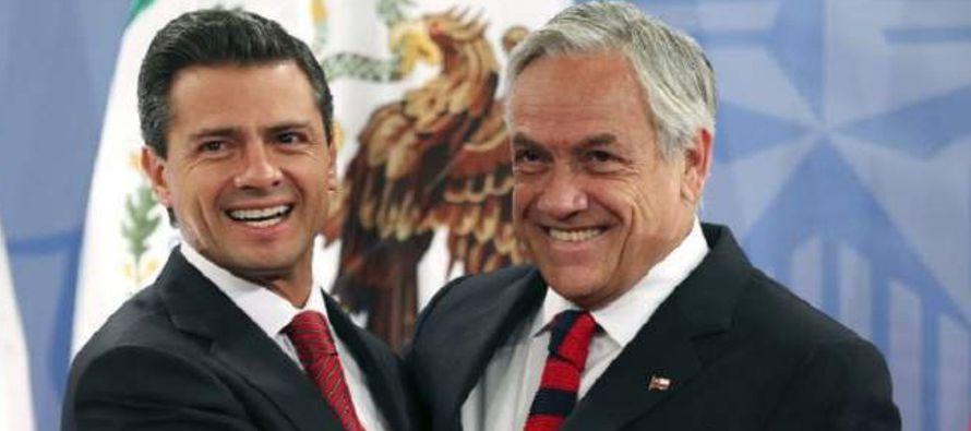 La asistencia de Peña Nieto a la ceremonia ha sido notificada al Senado y...