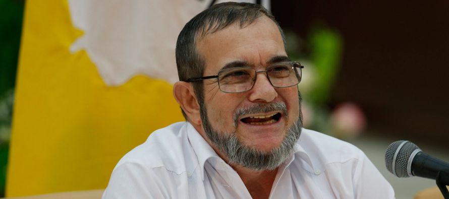 El líder y candidato presidencial de la exguerrilla de las FARC, Rodrigo Londoño,...