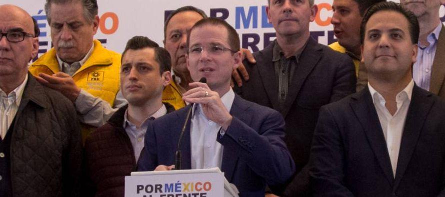 """""""Son instituciones que deberían estar al servicio de la República y no del PRI..."""