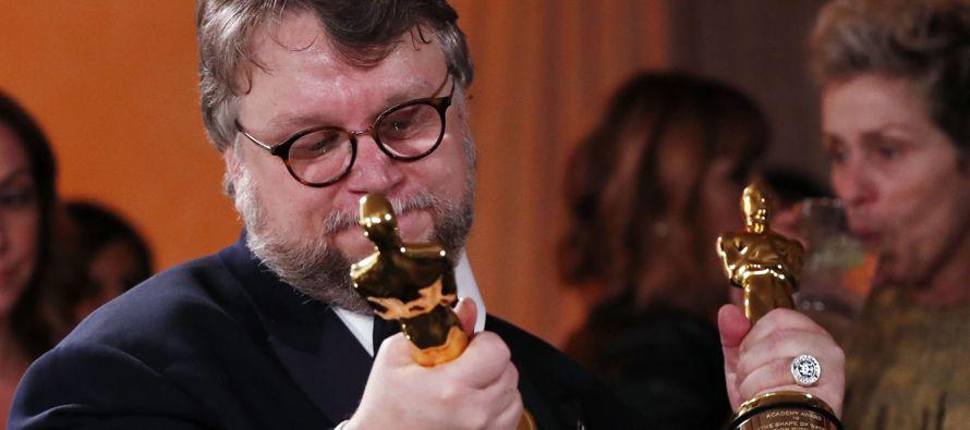 El cineasta de 53 años obtuvo el máximo galardón de Hollywood a mejor director...