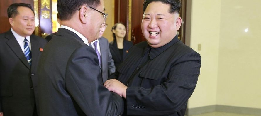 Kim Jong-un recibió a la comitiva de Seúl, encabezada por Chung Eui-yong, el jefe de...