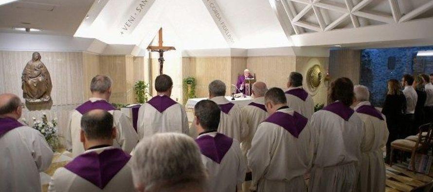 """En tiempo de Cuaresma –ha indicado el Papa–, """"la Iglesia nos dice que debemos convertir..."""