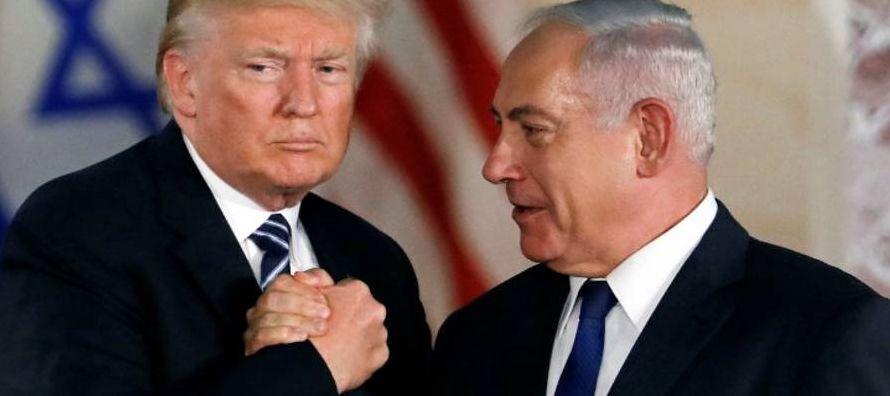 Netanyahu es un líder erosionado. Después de 13 años acumulados en el poder,...