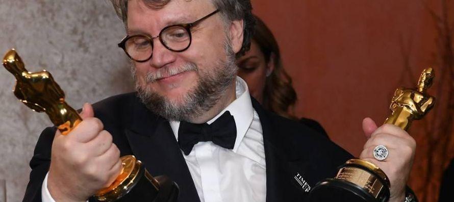 Orgullosamente celebro los merecidos reconocimientos que ha recibido Guillermo del Toro y otra de...