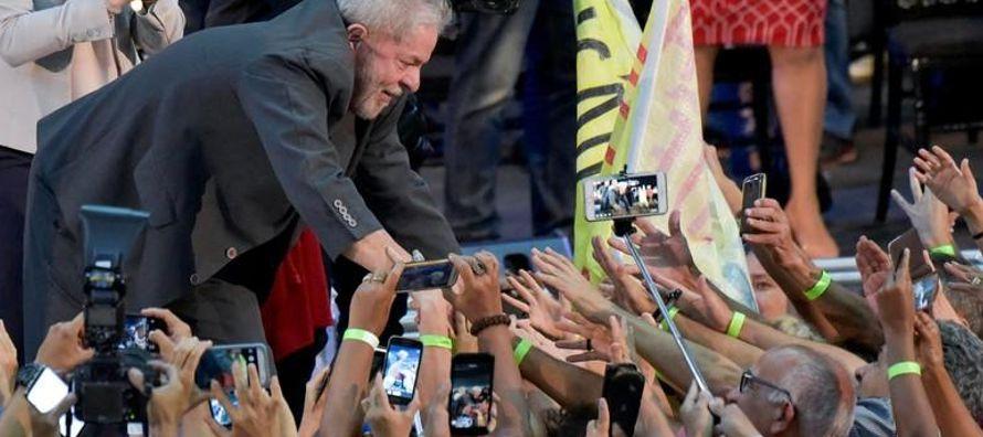 Lula ha dicho que él quiere competir y que peleará por la oportunidad ante la...