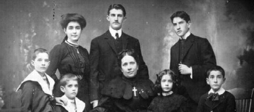 Concepcion de Armida fue esposa, madre, viuda y fundadora de la Familia de la Cruz. Falleció...