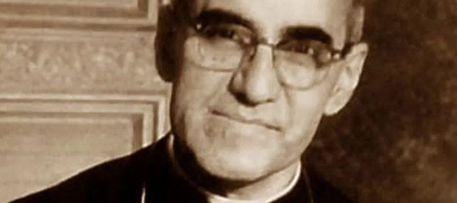 """""""San Romero de América"""", como desde hace años llaman a Romero los..."""