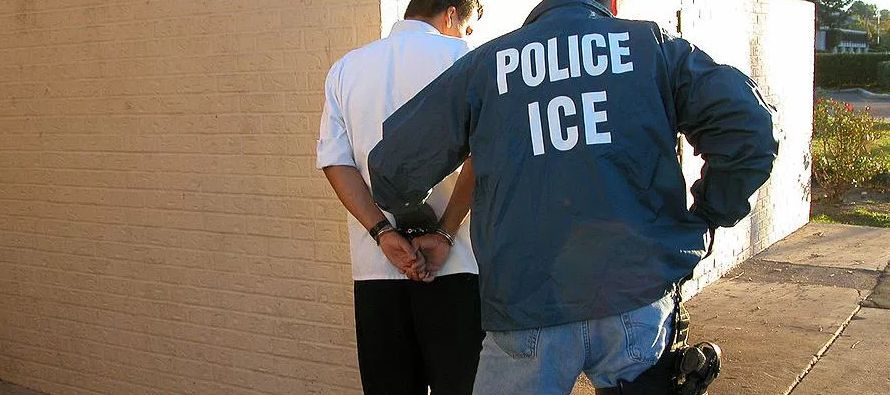 """""""Estoy consternado por informaciones de que muchos inmigrantes interceptados en la frontera..."""