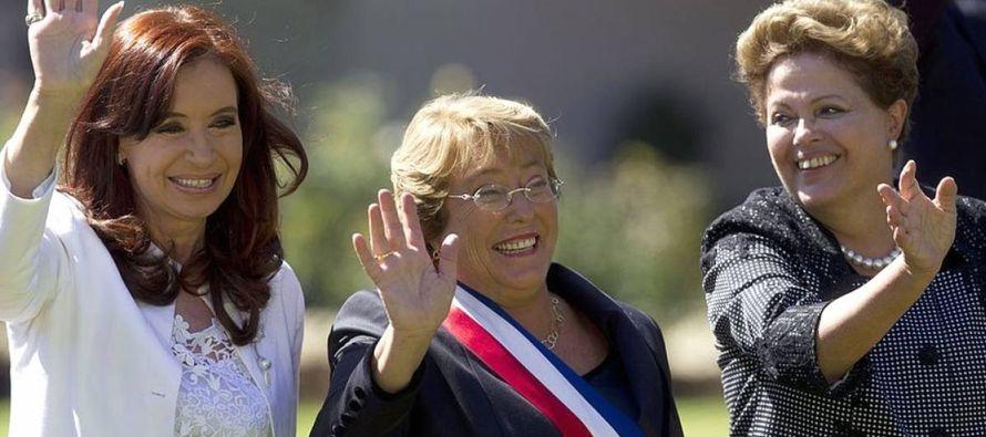 El próximo 11 de marzo Bachelet cederá la Presidencia de Chile por segunda vez en la...