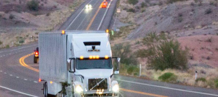 Los camiones autónomos de Uber ya circulan en Estados Unidos para transportar...
