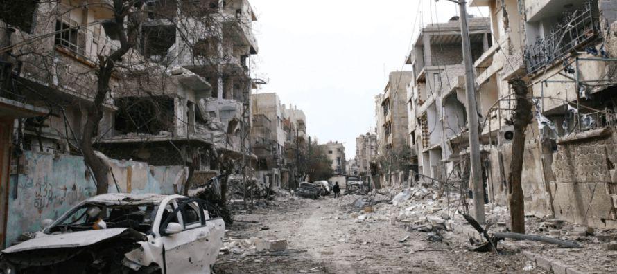 Gracias a una ofensiva terrestre, el régimen de Bashar al Asad controla ya la mitad de este...