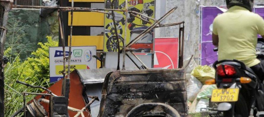 Turbas de budistas han atacado en los últimos tres días casas de musulmanes en la...