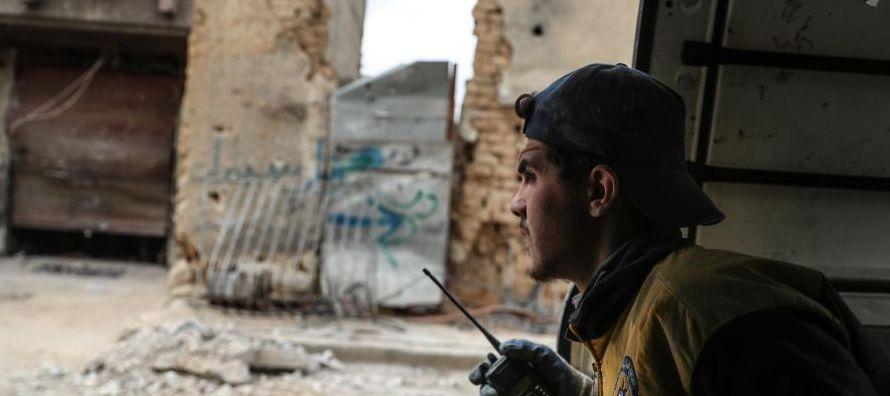 Las autoridades sirias quitaron o rechazaron el lunes aproximadamente el 70 % de la ayuda...