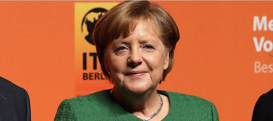 En ese contexto, recordó que hace 100 años obtuvieron el derecho a voto en Alemania,...