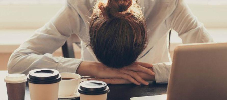 Dijo que una persona con trastornos del sueño pierde el control en los horarios de...