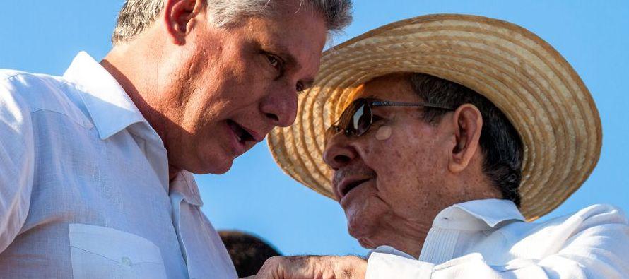 La salida de Raúl Castro del gobierno [primero anunciada para febrero de 2018 y luego...