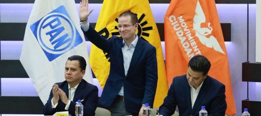 """""""¡Éntrale!, le espetó José Antonio Meade, candidato del oficialista..."""