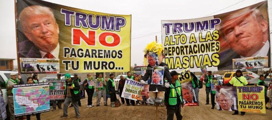 """""""El tamaño de estos muros no va a importar"""", dijo Rogelio Pérez, de 48..."""