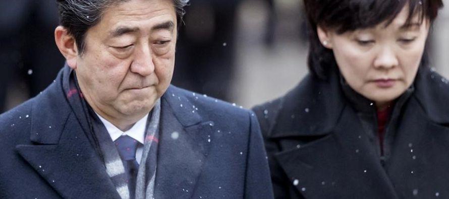 Durante su intervención hoy, Abe también negó estar involucrado en la...