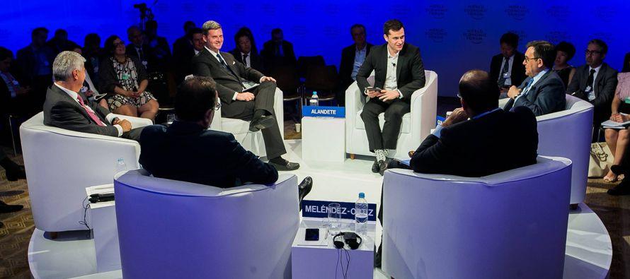 El ministro mexicano ha asegurado que los aranceles al acero deberían ir dirigidos a...