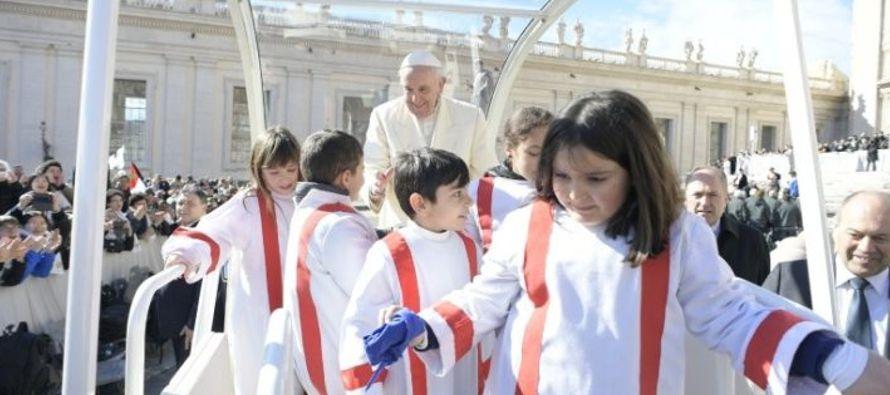 """""""Si no tienes raíces, no podrás florecer"""": Papa Francisco"""