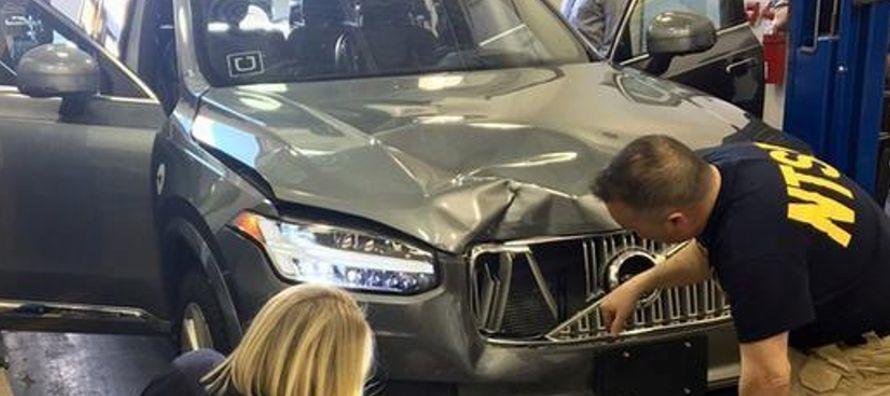 Industria automotriz enfrenta problemas de confianza tras accidente de un Uber de conducción autónoma