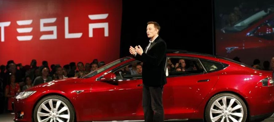 A mediados de marzo, los accionistas del fabricante de autos eléctricos y paneles solares...