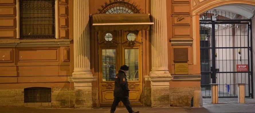"""Rusia está reaccionando a """"medidas absolutamente inaceptables en nuestra contra,..."""