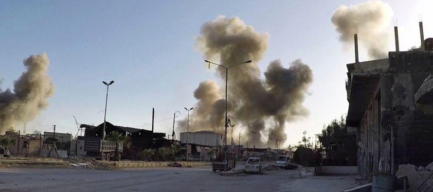 La incursión con misiles siguió a un presunto ataque con gas venenoso lanzado el...