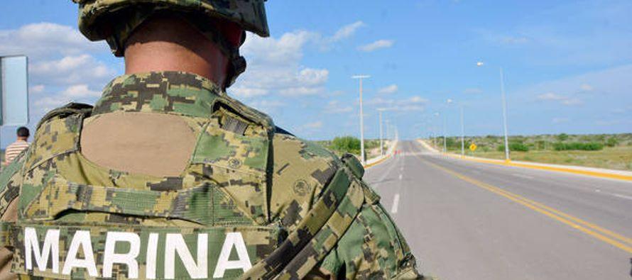 Inicialmente, la Armada negó que los ocupantes del automóvil, donde viajaba una...