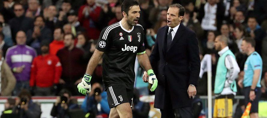 Pese a la gran tensión de ese momento, la afición del Bernabéu le...