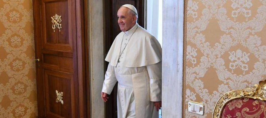 En una carta extraordinaria dirigida al obispado chileno, hecha pública el 11 de abril, un...
