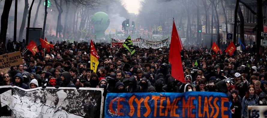 Según cálculos de la dirección de la SNCF, las huelgas ya han costado 100...
