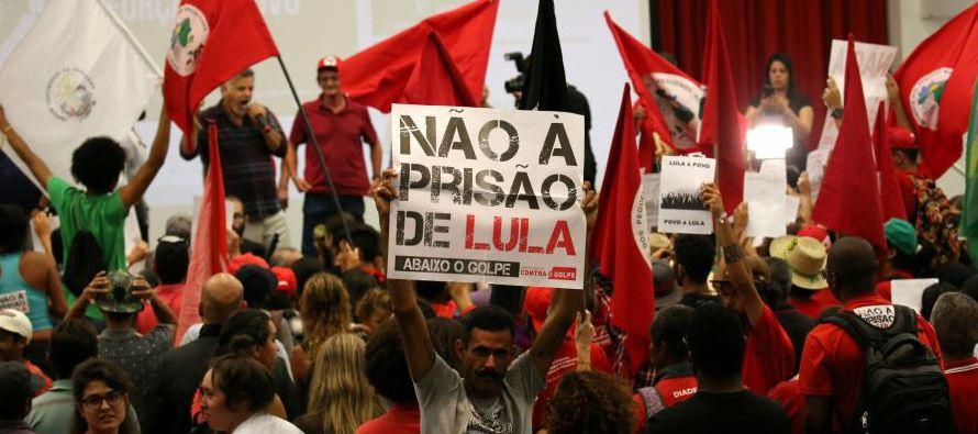 Al centrarse en su propia experiencia, Lula, Rousseff y el PT pierden la perspectiva no solo de lo...