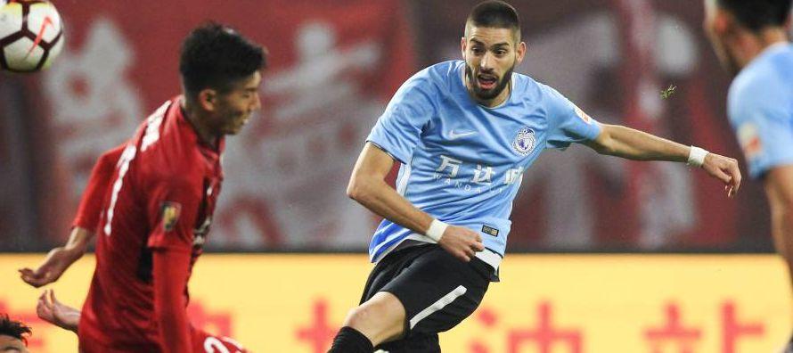 A sus 31 años, el centrocampista es una de las estrellas del Guizhou Hengfeng, equipo de la...