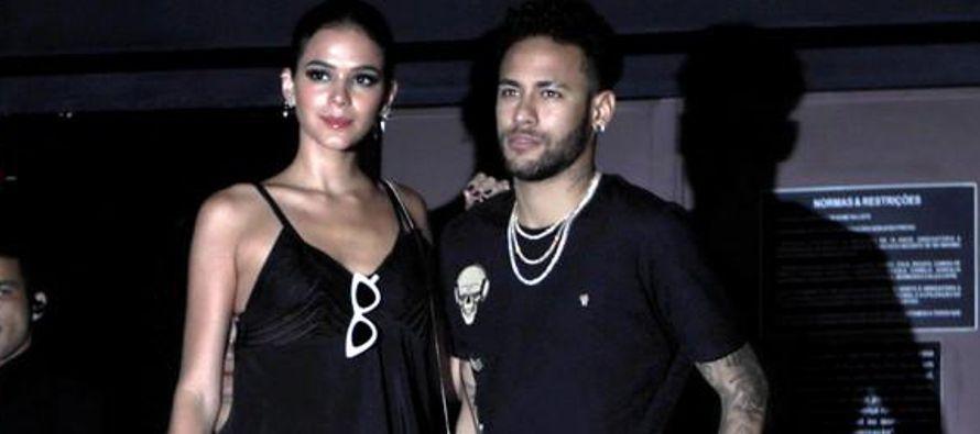 El delantero brasileño Neymar dijo en una entrevista que será publicada el...