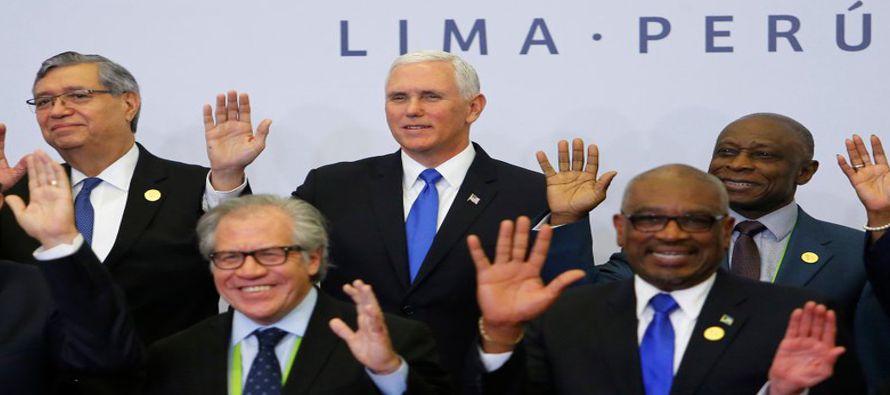 """Gobernantes latinoamericanos adoptaron el sábado un compromiso para emprender """"acciones..."""