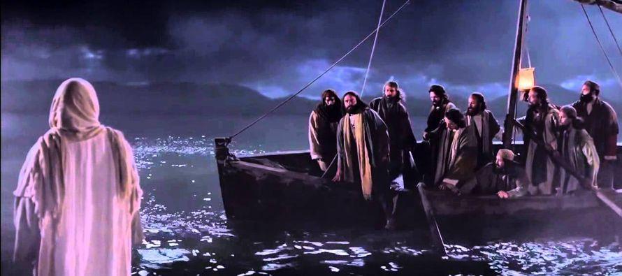 Después que Jesús hubo saciado a cinco mil hombres, sus discípulos le vieron...