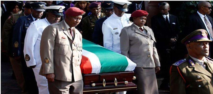 El funeral, organizado por el Gobierno sudafricano, tiene la más alta categoría,...