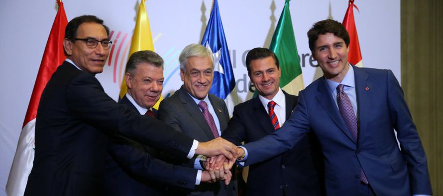 El tema oficial de la VIII reunión de mandatarios de todo el continente americano era la...