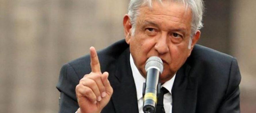 Empresarios mexicanos, con el magnate Carlos Slim al frente, coincidieron hoy en arreciar las...
