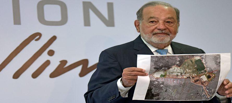 """Carlos Slim afirma que la zona del nuevo aeropuerto se convertiría en un """"polo de..."""