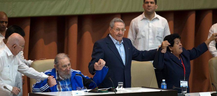 Pero ni siquiera Castro, con sus credenciales revolucionarias y sus conexiones fraternas, pudo...
