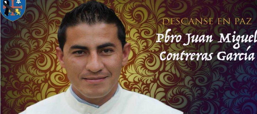 El sacerdote Juan Miguel Contreras García fue atacado a tiros por dos hombres en la...