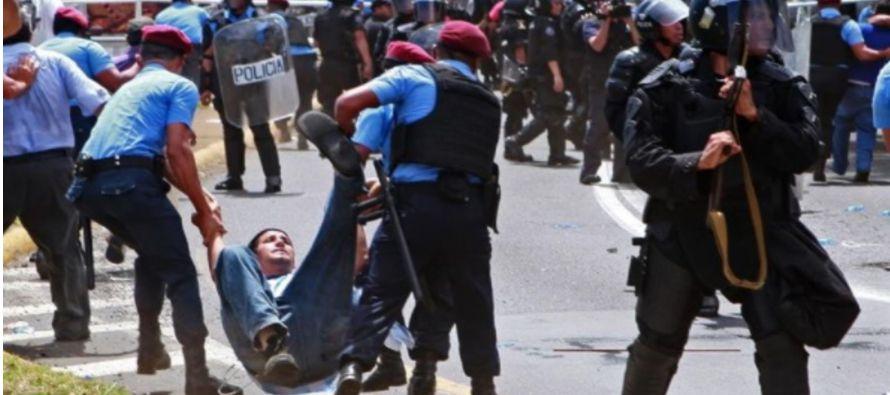 Mientras el gobernante daba su mensaje a la Nación seguían los enfrentamientos en...